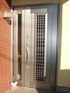 大垣市 防犯性の高い採風玄関ドアへ取替え